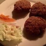 電氣食堂 - 明治のハンバーグ。メンチカツの様に揚げてあります。