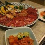 朝鮮飯店 - 「焼肉セット」は大皿でびっくり