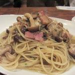 Vin Sereno - 木の子ベーコンのスパゲッティ