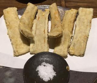 手打ち蕎麦 成冨 - ゴボウの天ぷら