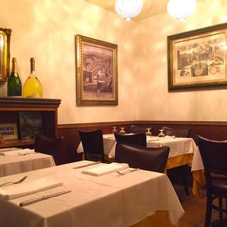 隠れ家レストランの隠れ部屋