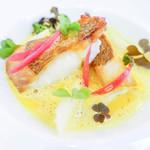 ラ・トゥーエル - 魚料理鯛ポワレ