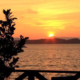 絶景のテラスで眺める夕日