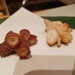 54431098 - 揚げ蛸はカリッと。                         焼き蛸はジューシィ