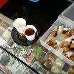 高幡まんじゅう松盛堂 - 無料サービスの麦茶と試食の高幡まんじゅう