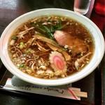 栄来軒 - 料理写真:ラーメン大盛り(550円)