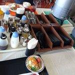 フードラウンジ ほっと - 国立国会図書館 フードラウンジ ほっと @永田町 調味料類・カトラリー類 サービステーブル