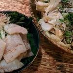 京蟹座 - はも焼霜造り¥780と白菜サラダ¥580 2016/8/4(木)
