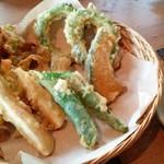 キッチンイナバ - 島野菜の天ぷら