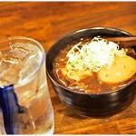 鎌倉酒店 - 前割り焼酎:麦 290円  牛すじ肉豆腐&煮玉子 490円 まろやかな焼酎が実にいい感じ♪