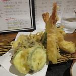 白雪 - 海老と野菜の天ぷら盛り合わせ