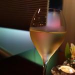 54456341 - グラスワイン