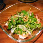 ライノスキッチン - エビとパクチーサラダ¥780