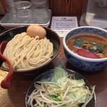 54462084 - 灼熱 中盛り 1辛+半熟玉子+野菜ちょい盛り!