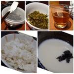 酒蔵レストランたから - ◆テーブルには「高菜」が置かれ、食べ放題・ ◆「とろろ」がタップリなのは、嬉しい。 ◆麦ごはん。 ◆麦茶が出されます。