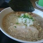 煮干し中華そば・つけ麺 海猫 - 背脂煮干しラーメン