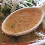 葱一 - 重たくない醤油豚骨で、飲み干せるスープです。あっさりだけど、根性座った豚骨臭!