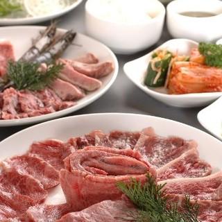 焼き肉食べ放題4,980円(税抜)~…ソフトドリンクバー付き