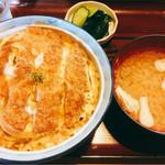 食堂 十九番 - カツ丼