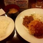 54487286 - メンチカツ&牛肉炒め物(10食限定)