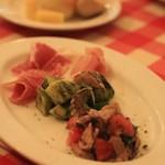 CASA MIA - 前菜3点もり 生ハム、カツオの軽いスモーク、タコのバジルペーストあえ