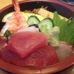 やま新寿司 - 料理写真:ちらし寿司