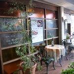 ピッツェリア&カフェ ドムス オルソ - ☆人通りの多い場所にあるので人気があります(^^ゞ☆