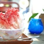 ウララ - 日光・松月氷室の天然氷 かき氷 苺 練乳トッピング