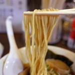 ラーメン 木曜日 - 自家製麺。何か練り込まれている?