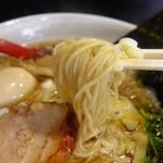 54505392 - 多分、三河屋製麺の細麺ですがコシがあって食感良好。