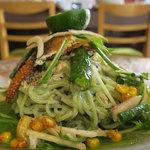 自然派中華 クイジン - 鮎の燻製の翡翠和え麺