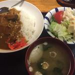 酒場三晴 - 牛すじカレー750円