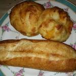 エス・ブーランジュリー - バター香るフランス・自家製スモークベーコンを美味しく食べるポテトパン・博多明太リゾットです♪