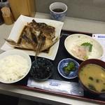 福魚食堂 - 鯛三昧定食 800円