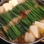 もつ鍋 一藤 - も つ な べ醤油味。