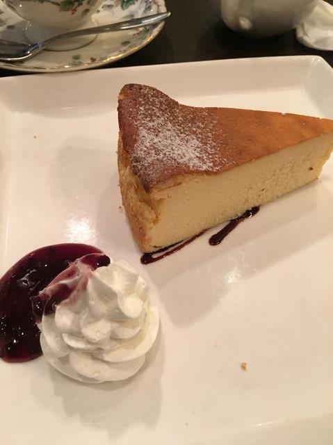 カフェ トリエステ - ベイクドチーズケーキ(361円+税)