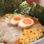 らーめん みうら家 - 料理写真:赤味噌ラーメン