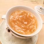 楼蘭 - 干し貝柱入りふかひれスープ