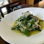 54519476 - シラスと夏野菜のペペロンチーノ・ビーゴリ