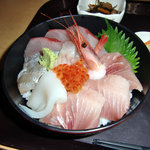 中央食堂 - 海鮮丼 アップ