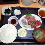 中央食堂 - 刺身定食