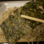山猫亭 - 蕎麦に韓国海苔は珍しい