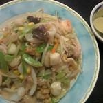 中国料理 ちゅん - 料理写真:これでもハーフサイズの皿うどん¥650 2016/7/27(水)