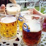クレールベイサイド ビアガーデン - ビールと黒ビールのハーフ&ハーフを作ってみました(°◡͐°)✧
