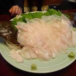 房州屋 - 料理写真:大ヒラメの刺身