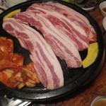 韓国家庭料理 トマト - サムギョプサル