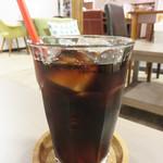 はかた珈琲 - アイスコーヒー380円。                             淹れたてで美味しいです。