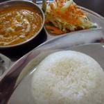 インドネパール料理 ヒマラヤキッチン - ◆「キーマカレーセット(850円)・・ご飯かナンを選べますので、ご飯を選択していました。 ちなみに「ご飯」「ナン」はお代わり可能。