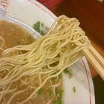 54530799 - パツパツ歯ごたえ!小麦粉の風味抜群の細麺です!