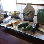 わら口そば - 大石田の蕎麦屋は、どこに行っても漬物が旨い。